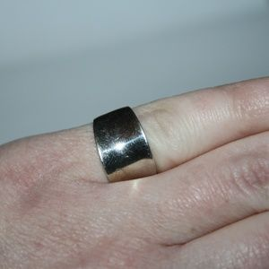 Jewelry - sterling silver .925 domed band size 5.75